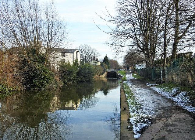 Winter on Shropshire Union Canal at Vicar's Cross - Chester