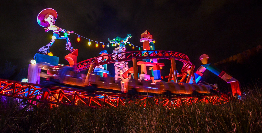 Slinky Dog Dash night moving DHS