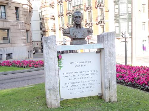 Dos extranjeros en las calles de Bilbao