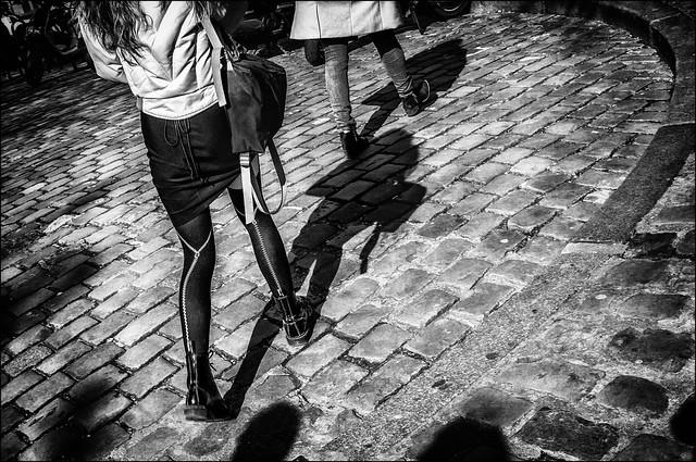 Les jambes zippées... / Zipped legs...