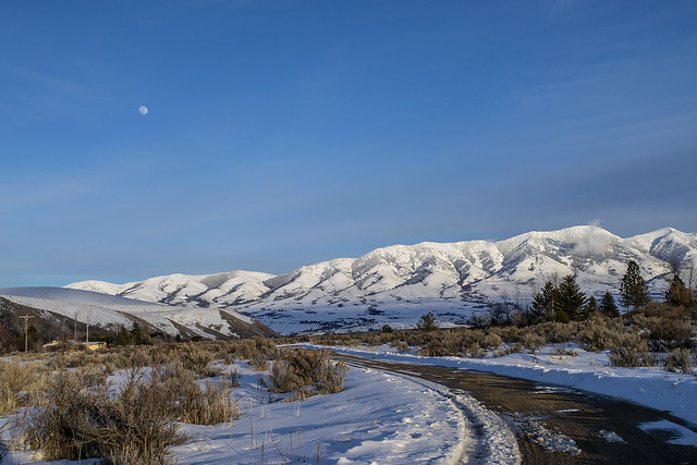 Portneuf mountains. Moon and winter