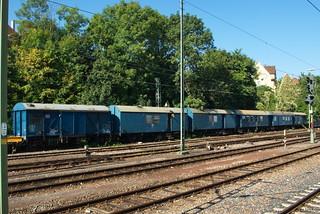 40 80 945 5 545-0 Werkstattwagen 611 Leihwagen, 40 80 956 0 006-5, 40 80 956 0 017-2  Wohnschlafwagen in Stutt.-Zuffenhausen _b