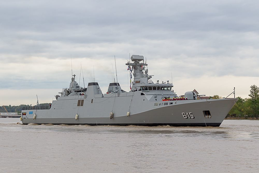 Royal Moroccan Navy Sigma class frigates / Frégates marocaines multimissions Sigma - Page 25 33674736928_56899227ca_b
