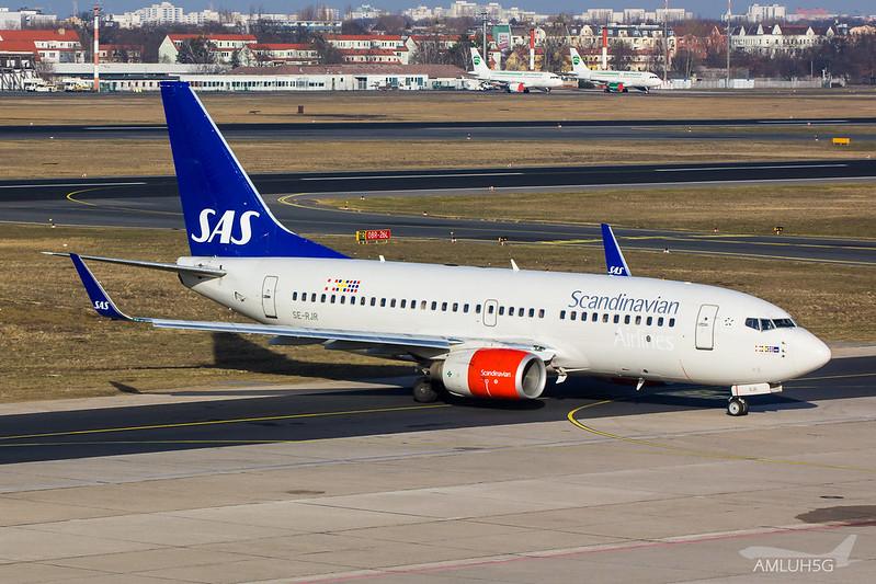 SAS - B737 - SE-RJR (1)
