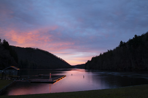 pigeonriver haywood canton nc nc215 wnc northcarolina evening water river flooded lake pink sky christmas decorations