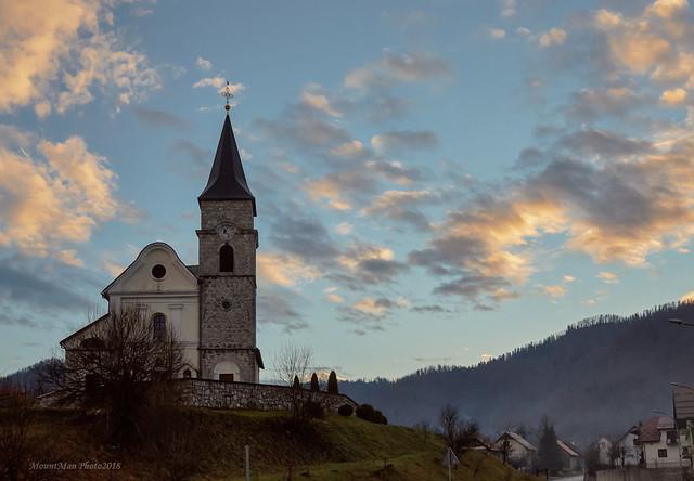 Gerovo: crkva Sv. Hermagora i Fortunata o zalasku