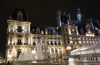 Place de l'Hôtel-de-Ville - Esplanade de la Libération