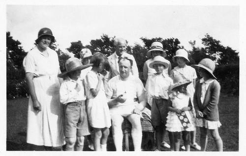 VINTAGE . PRIMROSE VALLEY 1933.   EIGHT HATS.  INFORMATION WELCOME.