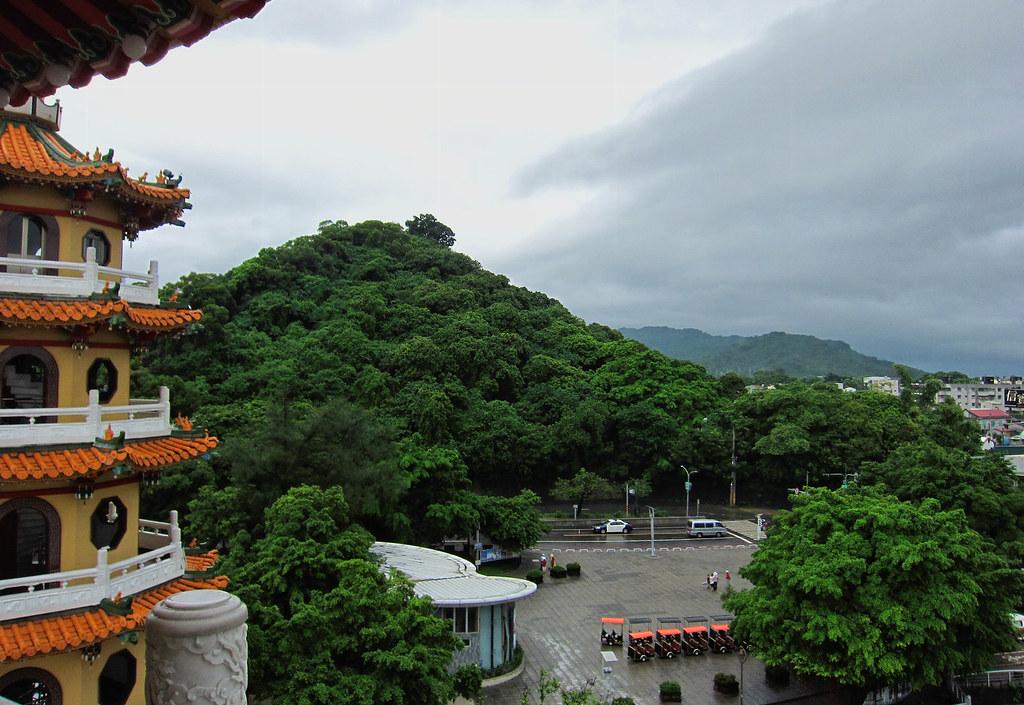 Dragon and Tiger Pagodas