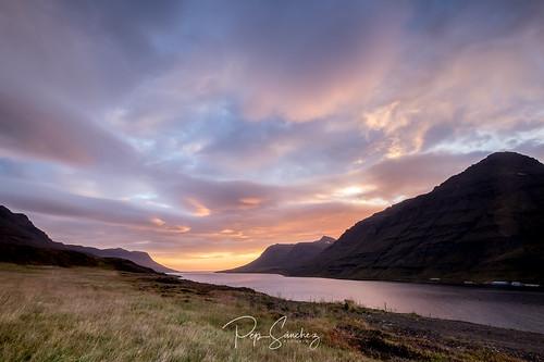 iceland islandia mweb travel web xt1 viajes viatges seyðisfjörður oriental is landscape sunset
