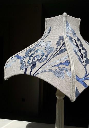 fabricant-abat-jour-sur-mesure-restaurateur-pagode-carre-lin-brode-450x650