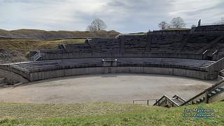 Amphithéâtre de Grand   by Lucia La Renarde