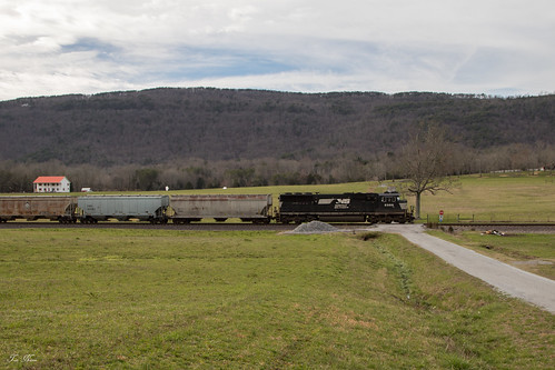 norfolk southern ns freight train unit grain cnotp 3rd district alabama division emd sd60e 51g evensville tennessee mountain railroad rr