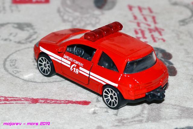 N° 221 C - Renault Mégane II  46579487625_36fa365a09_z
