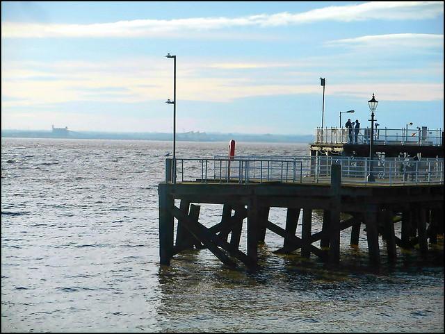 Hulls Victoria Pier ..