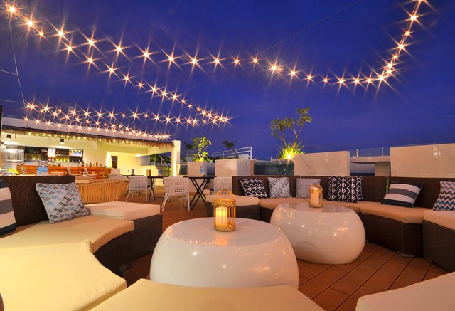 ferra hotel and garden suites roof deck