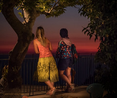 Ikaria/Ικαρία - Girls watching glowing evening sky