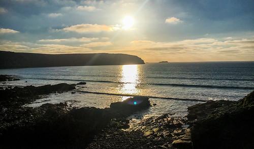 andygocher iphone iphone6s europe uk wales southwales westwales littlehaven pembrokeshire coastalpath coastline seascape seaside sea water sunset sun reflection
