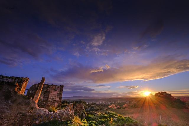 Ruinas al sol _XT25567_1