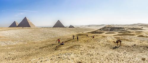 giza egypt pyramids desert