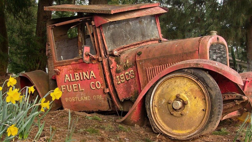 Old Delivery Truck 9739 A