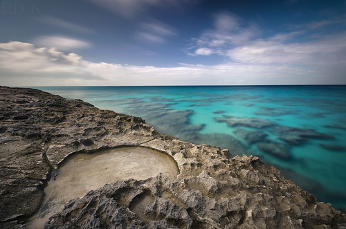 turks caicos amanyara daylight long exposure longexposure ocean edge caribbean travel international russell eck nature landscape wilderness sky rock color nikon d5100 neutral density filter polarizer