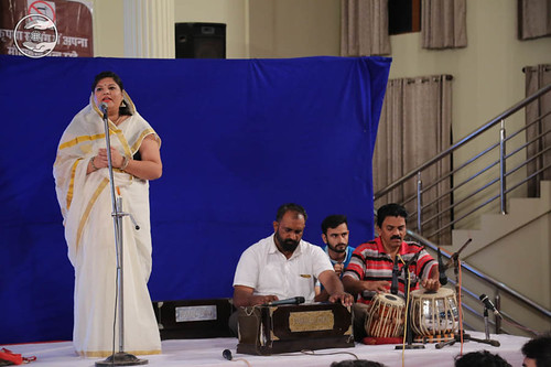 Devotional song by Paramjit Kaur from Delhi