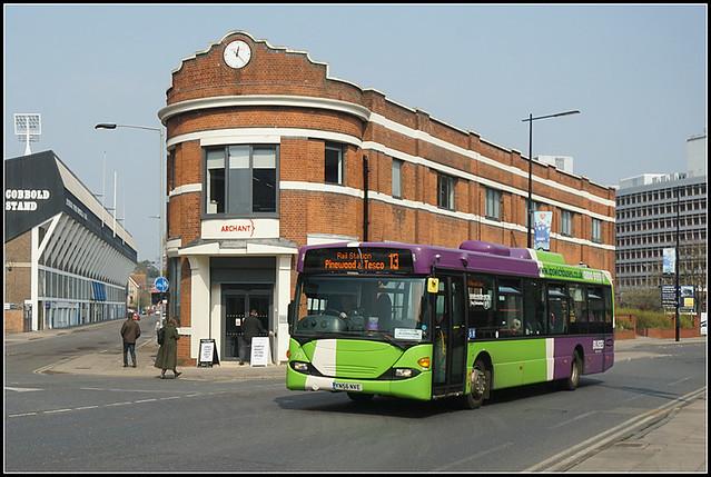 Ipswich Buses 73