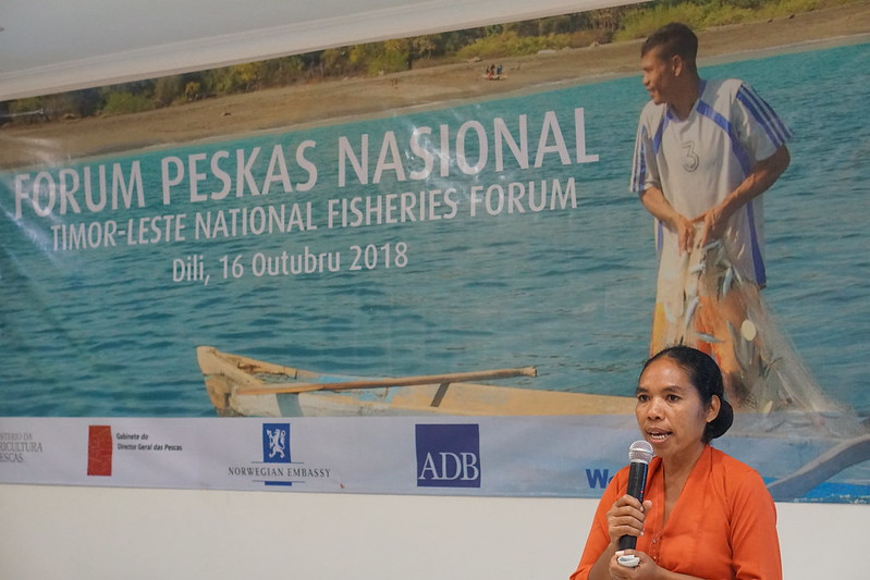 Woman fisher Leocadia de Araujo presenting at the 2019 National Fishers' Forum in Timor-Leste. Photo by Pixelasia for WorldFish.