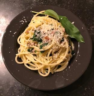 Buccatini al aglio silvatico. (Buccatini à l'ail des ours et lardons). | by olivierkeuller
