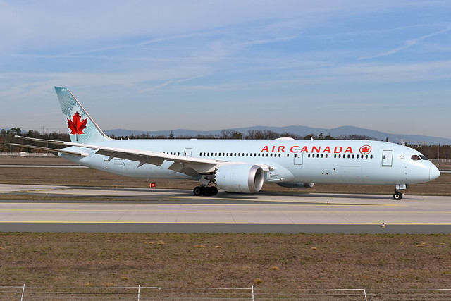 Air Canada - Boeing 787-9, C-FGDT