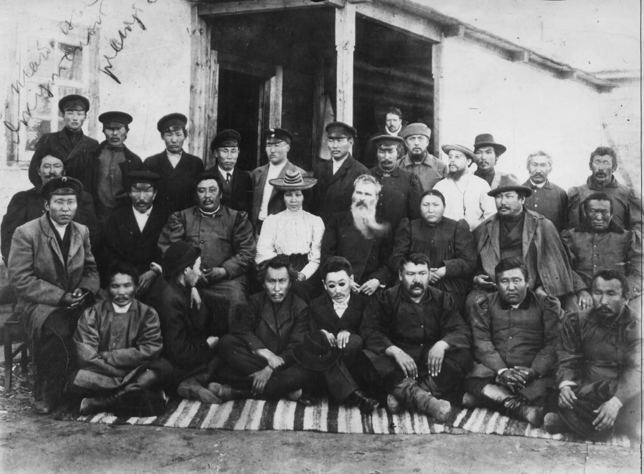 кутские ученики народников - деятели и ревнители просвещения провожают в Россию своего учителя Всеволода Михайловича Ионова. 1910