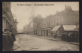 """The Battle of Stepney"" The anarchist's house on fire"