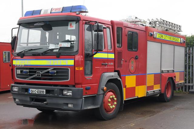 Cork City Fire Brigade 2004 Volvo FL250 Sidhean Teo WrL 04C40899 (EX NIFRS LKZ 9443)