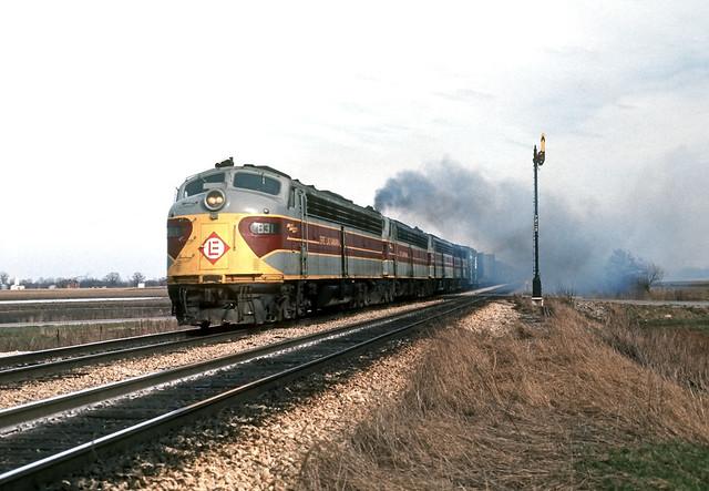 Four EL E8 units rolling in Ohio