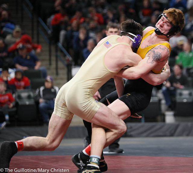 152AA 1st Place Match - Tim Stapleton (Waconia) 43-2 won by major decision over Dylan Fudge (Perham) 44-7 (MD 11-2) - 190302BMC4711