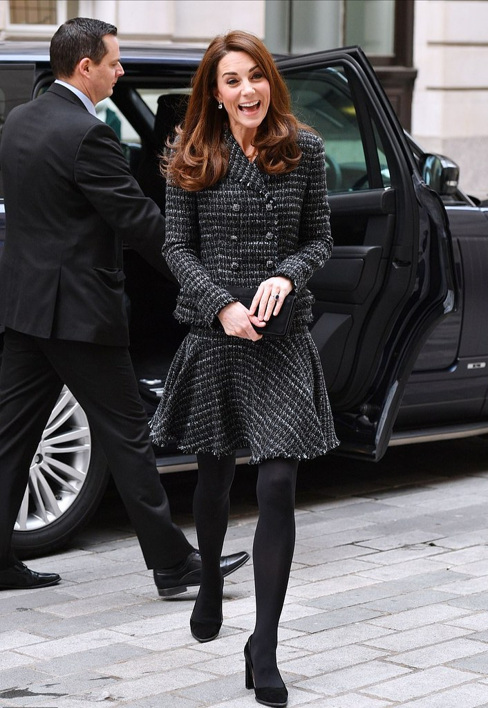89825322526 Gorgeous Kate in 2 piece outfit, opaque black tights and h…   Flickr