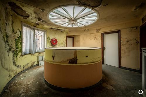 Cercle Visqueux   by thomascaryn.com
