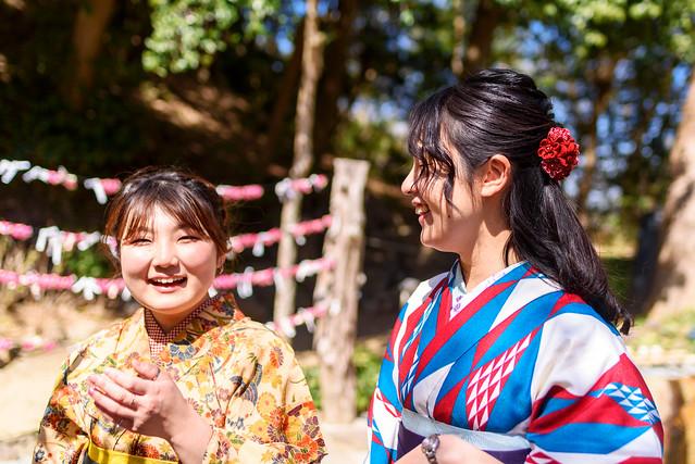 Kimono girls at Kuzaharagaoka Jinja Shrine : 葛原岡神社にて