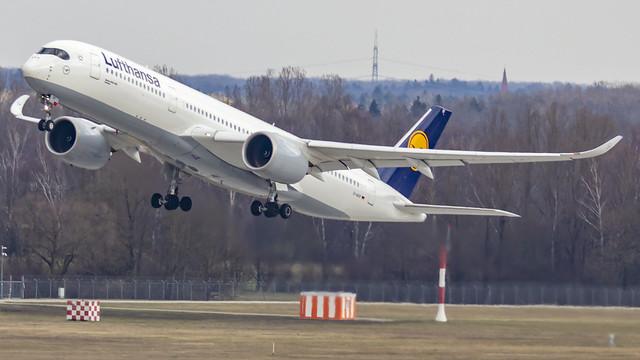Lufthansa Airbus A350-900 D-AIXF