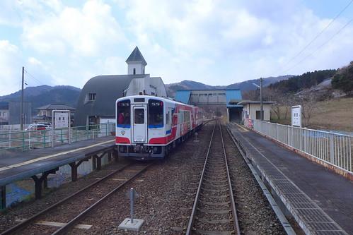 久慈→盛間を直通運転する一番列車