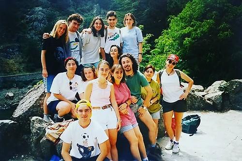 En el siglo pasado. Con @castellae en el grupo de locos. 😂 #cuantohemoscaminado #vintagephoto | by treboada
