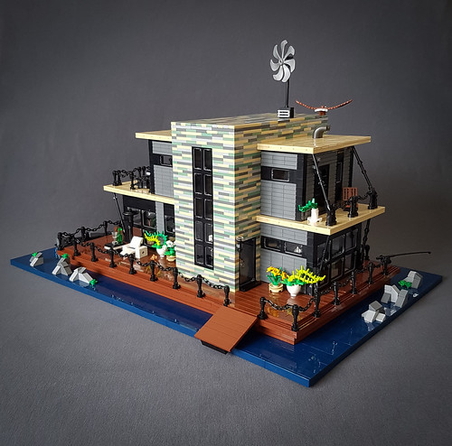 Shallow-Water House MOC. Entrance.