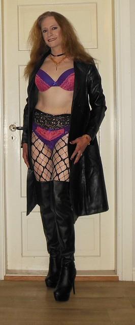 #smile #happygirl #feelingpretty #posing #lingerie #feelingsexy #tgirl #transvestite #transisbeautiful #blondeshavemorefun #realscandinavianblonde #happytgirl #bra #panties #highheels #pantyhose #tights #glossytights #fishnets #layered #layeredtights #lay