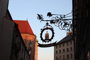 München / etdrysskanel.com   by Synne Cinnamon