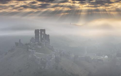 corfecastle dorset mist sunrise dawn crepuscularrays sunrays