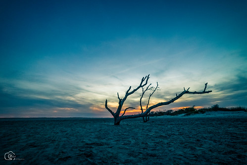 lonely sunset follybeach southcarolina wideangle color blaze