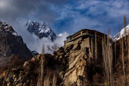 pk pakistan gilgit gilgitbaltistan hunza karimabad altit mountains karakoram karakorams himalayas himalaya mount mountain cloudscape sky golden orange hour outdoors pinnacle snowcapped