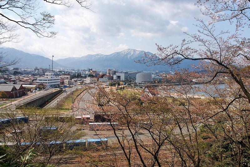 金崎公園花換小道俯看敦賀港灣與市區 1