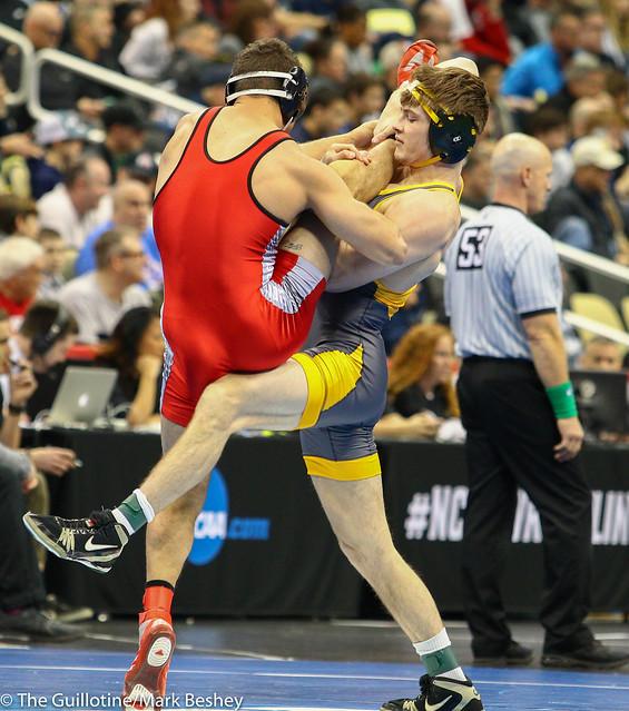 Champ. Round 1 - Andrew Fogarty (North Dakota State) 21-4 won by tech fall over Tyler Marinelli (Gardner-Webb) 26-3 (TF-1.5 7:00 (17-2)) - 190321amk0098